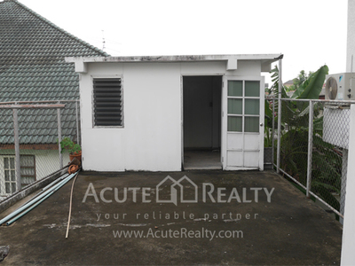 House · For rent & sale · 4 bedrooms